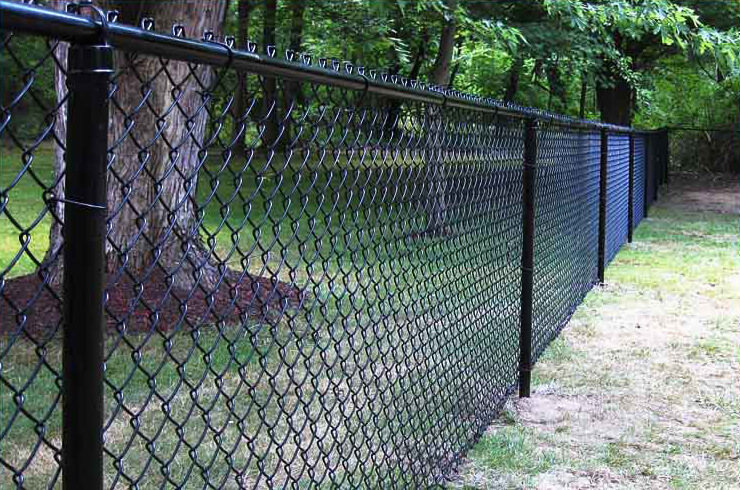 A Detroit chainlink fence installation by F&W fence company