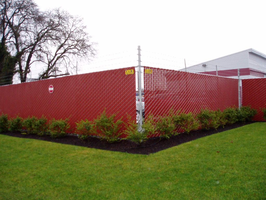 A Dallas chainlink fence installation by F&W fence company